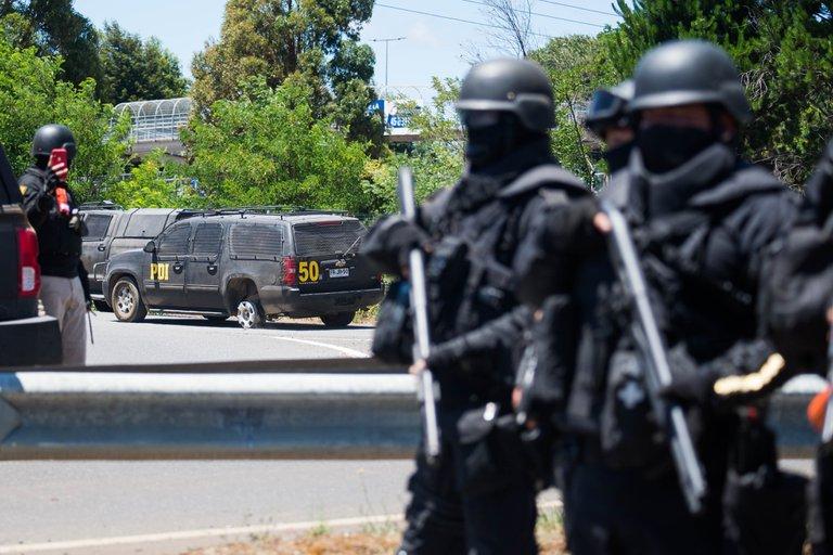 Masivo operativo en el sur de Chile termina con un policía muerto