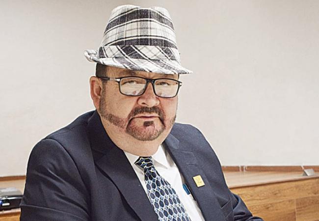 Muere historiador Edmundo Guzmán
