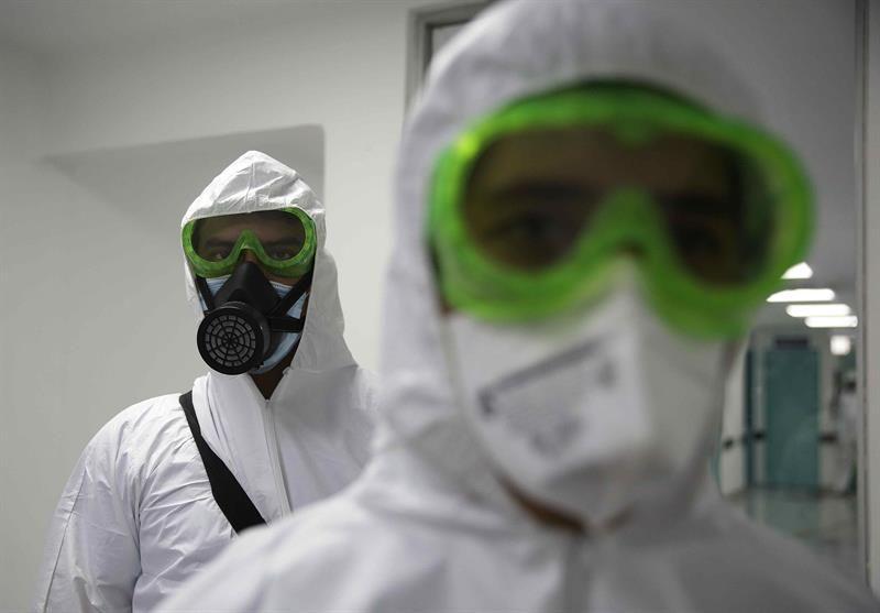 Continúa el alza de casos de la COVID en El Salvador, que suma 1,398 muertes
