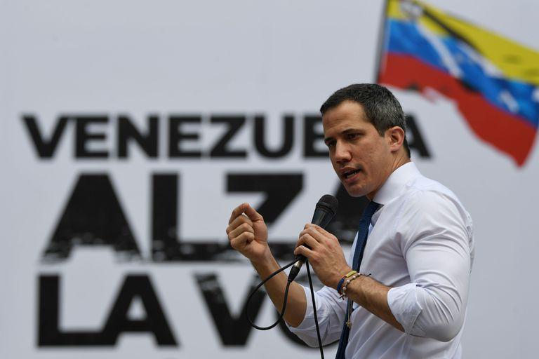 España mantiene el contacto con la oposición y el 'régimen' de Venezuela
