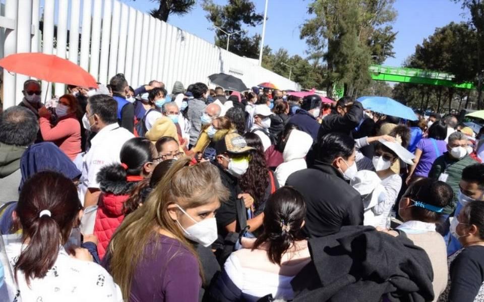 Sancionarán en Veracruz a quien se salte la fila para vacunarse