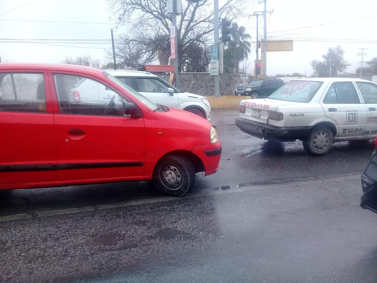 Le da llegue a taxi en el Pape en Monclova