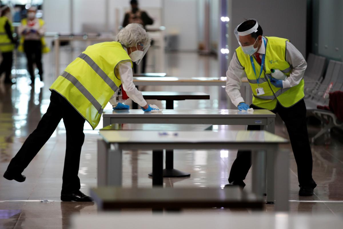 España amplía 24 horas la validez de PCR de los viajeros por el temporal