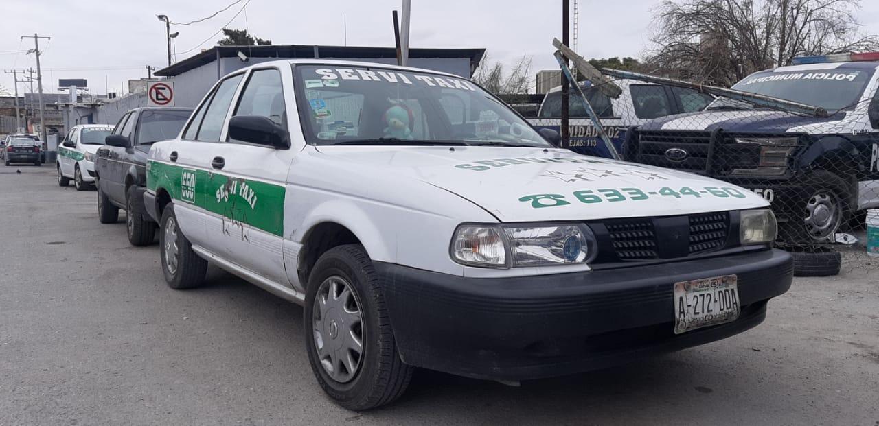 Taxi provoca choque en Monclova