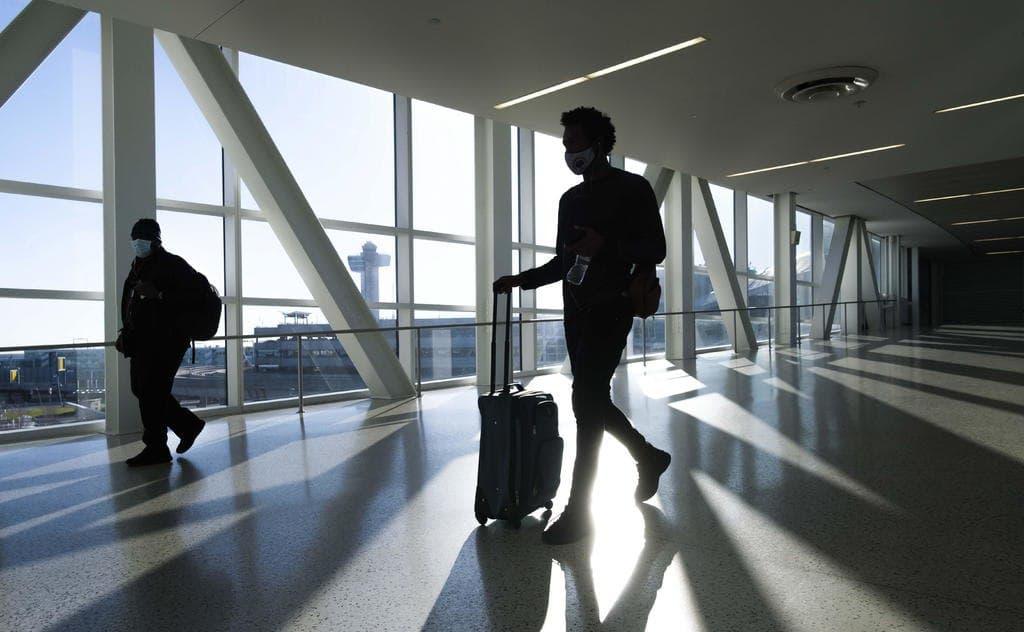 Exigirá EU pruebas negativas de COVID-19 a viajeros internacionales