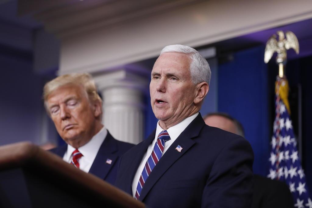 Vicepresidente Pence descarta invocar la Enmienda 25 para destituir a Trump