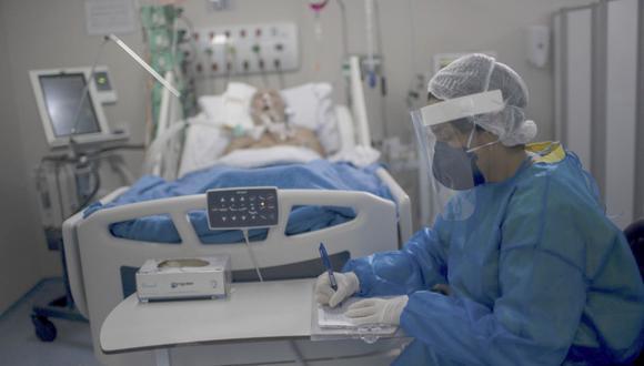 Tres regiones de Perú se quedan sin camas UCI en segunda ola de la pandemia
