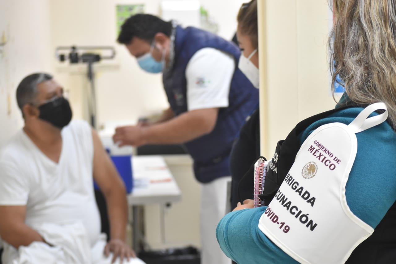Inicia aplicación de vacunas contra el COVID-19 en hospitales de la Región Centro