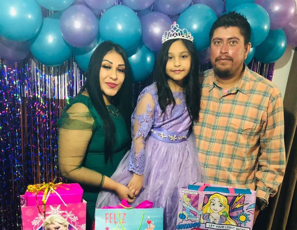 Camila celebra 8 años en Monclova