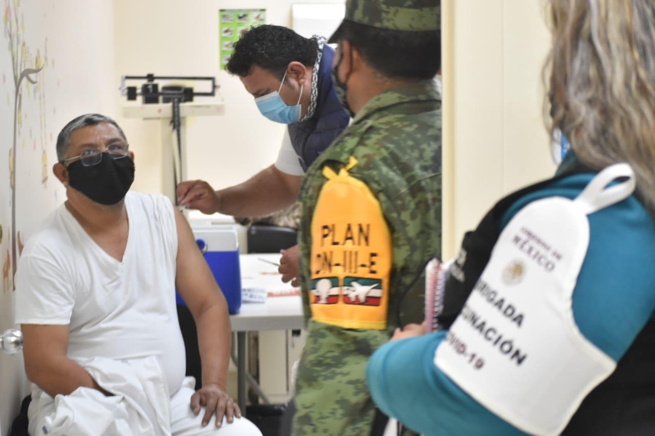 Inicia la aplicación de vacunas COVID-19 en hospitales de la región