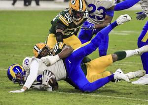 Packers vencen a Rams en la etapa de División de la NFL