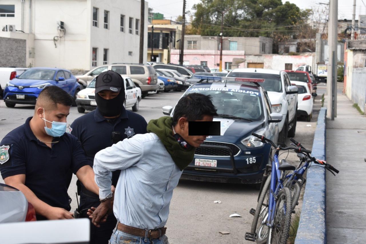 Inhalaba sustancias tóxicas en la calle en Monclova