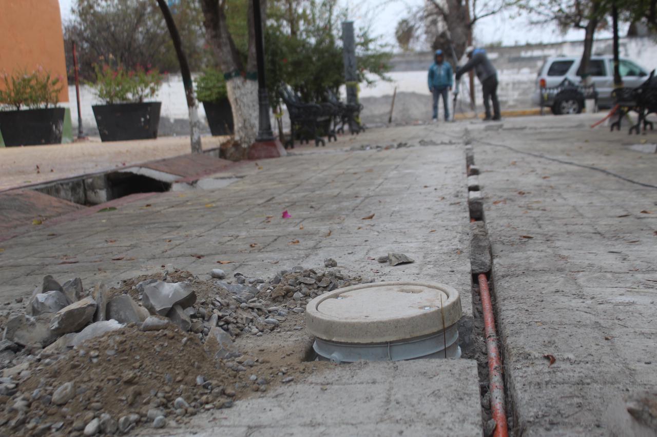 Inicia electrificación de plazaDoctor Heliodoro Rodríguez