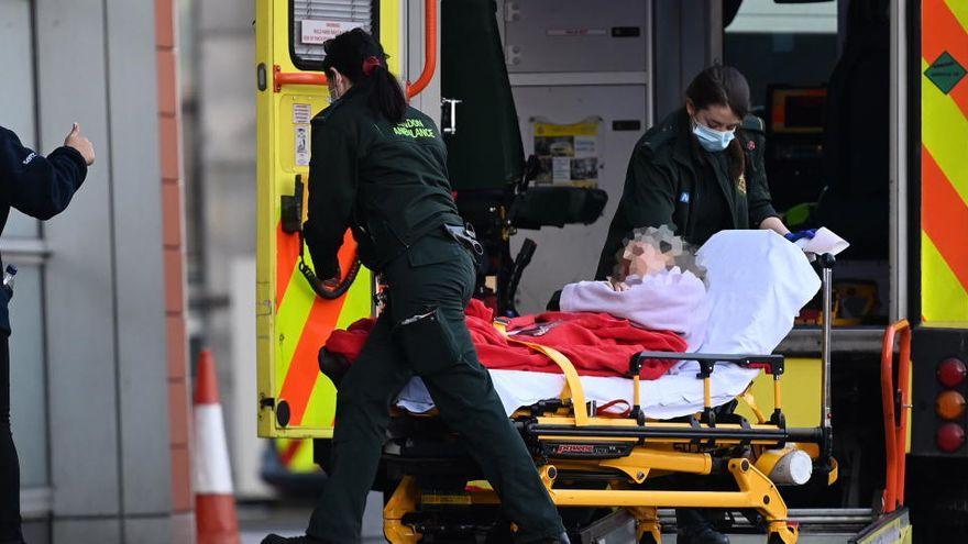 Reino Unido registra una significativa bajada de nuevos casos, hasta 22,195
