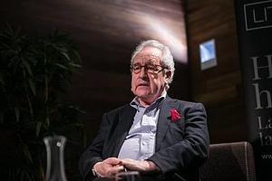 Pandemia hace repensar a John Banville