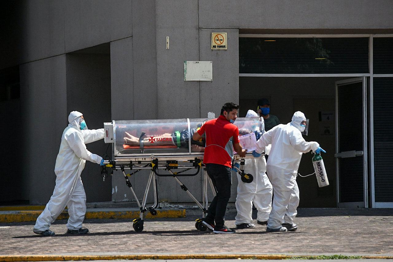 México rebasa 150,000 muertos con hospitales llenos y el presidente enfermo
