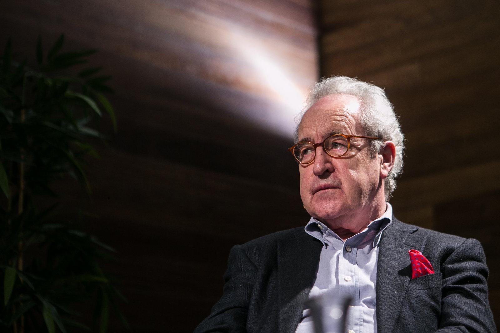 El escritor John Banville repiensa su novela tras la pandemia