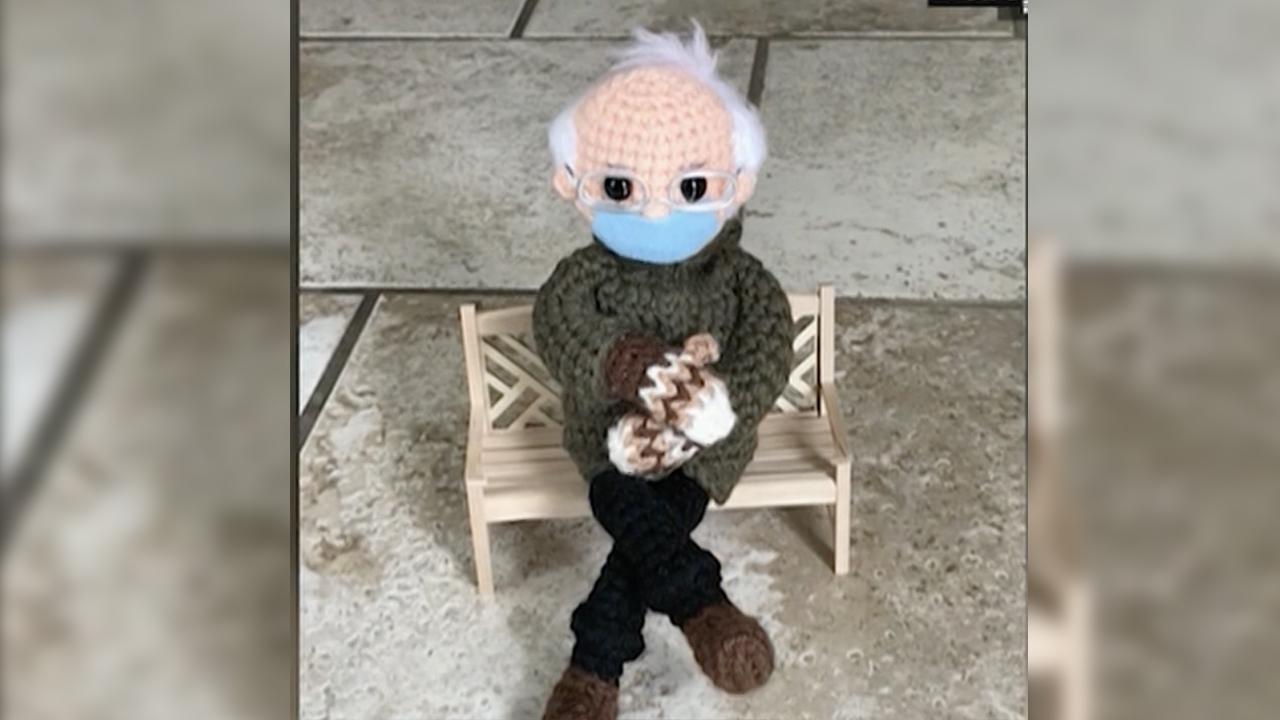 Un muñeco inspirado en Bernie Sanders recauda más de 40,000 dólares para ONG