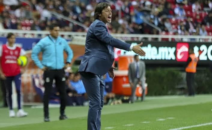 Almeyda le gana la carrera a Herrera y podría dirigir a Chile