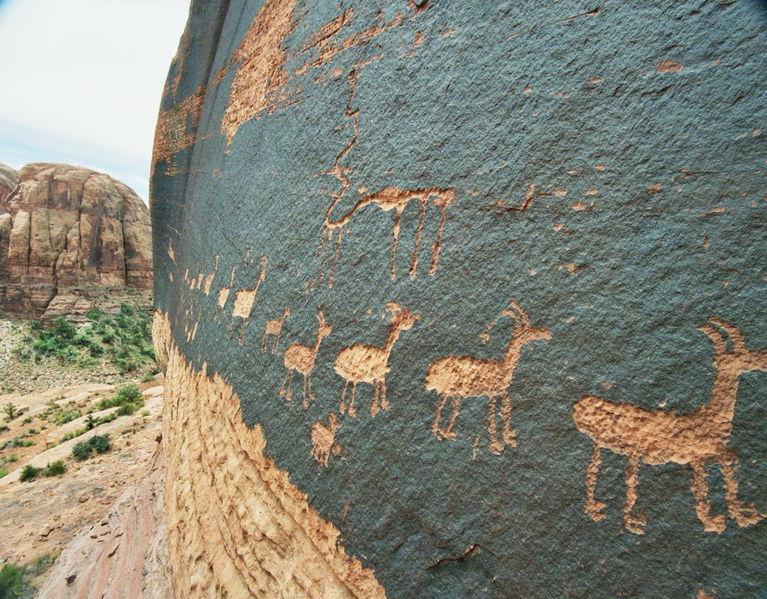 Registran en el norte de México 16 zonas con petroglifos de hace 3.000 años