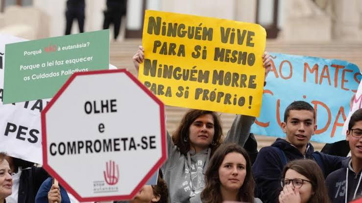 Portugal decide este viernes si despenaliza la eutanasia