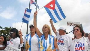 Exilio cubano pide a Biden sanciones para ministro de Cultura en la isla