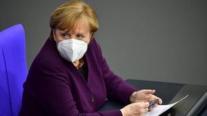 OMS y Alemania reflejan en Davos las tensiones por el reparto de las vacunas