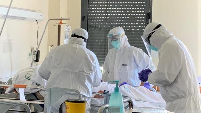 La incidencia de COVID-19 baja algo en España, que suma otros 513 fallecidos