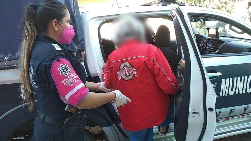 Rescatan a mujer de 80 años encerrada en Ecatepec