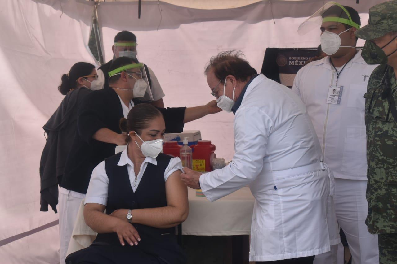 Aplicarán vacuna a 500 maestros de la región desierto