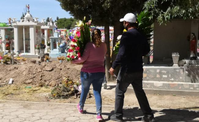 Reforzarán restricciones de movilidad en cementerios de SLP