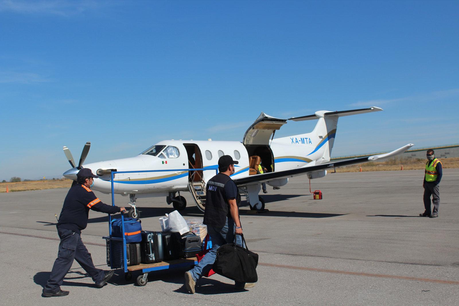 Para viajar en avión pedirán constancia negativa Covid-19