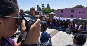 COVID agrava violencia contra periodistas, revela informe