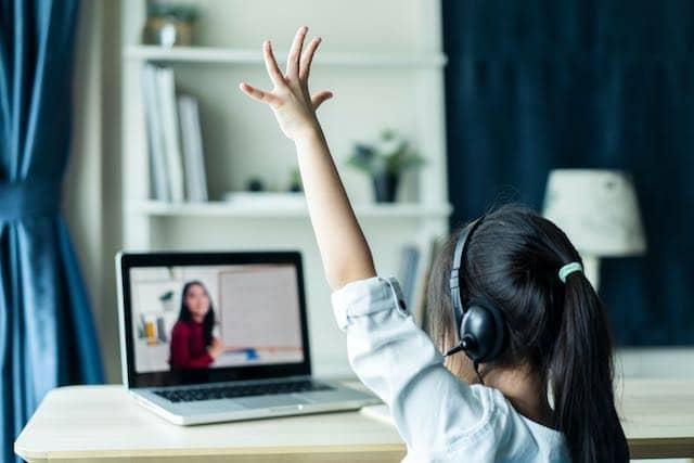 Clases en línea deja como inexistentes a 2 mil alumnos