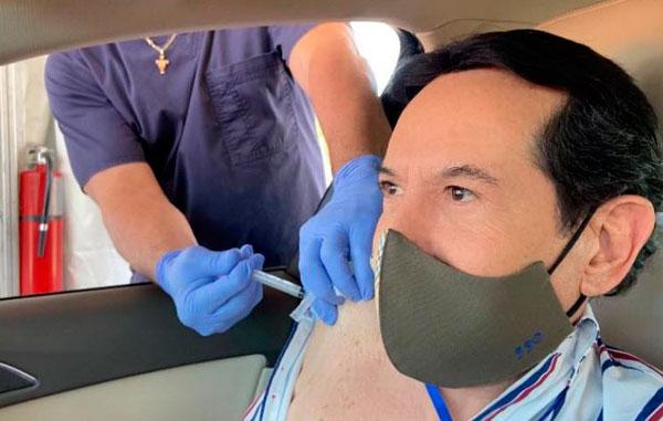 La vacuna te la ponen en lugar de tirarla: Origel