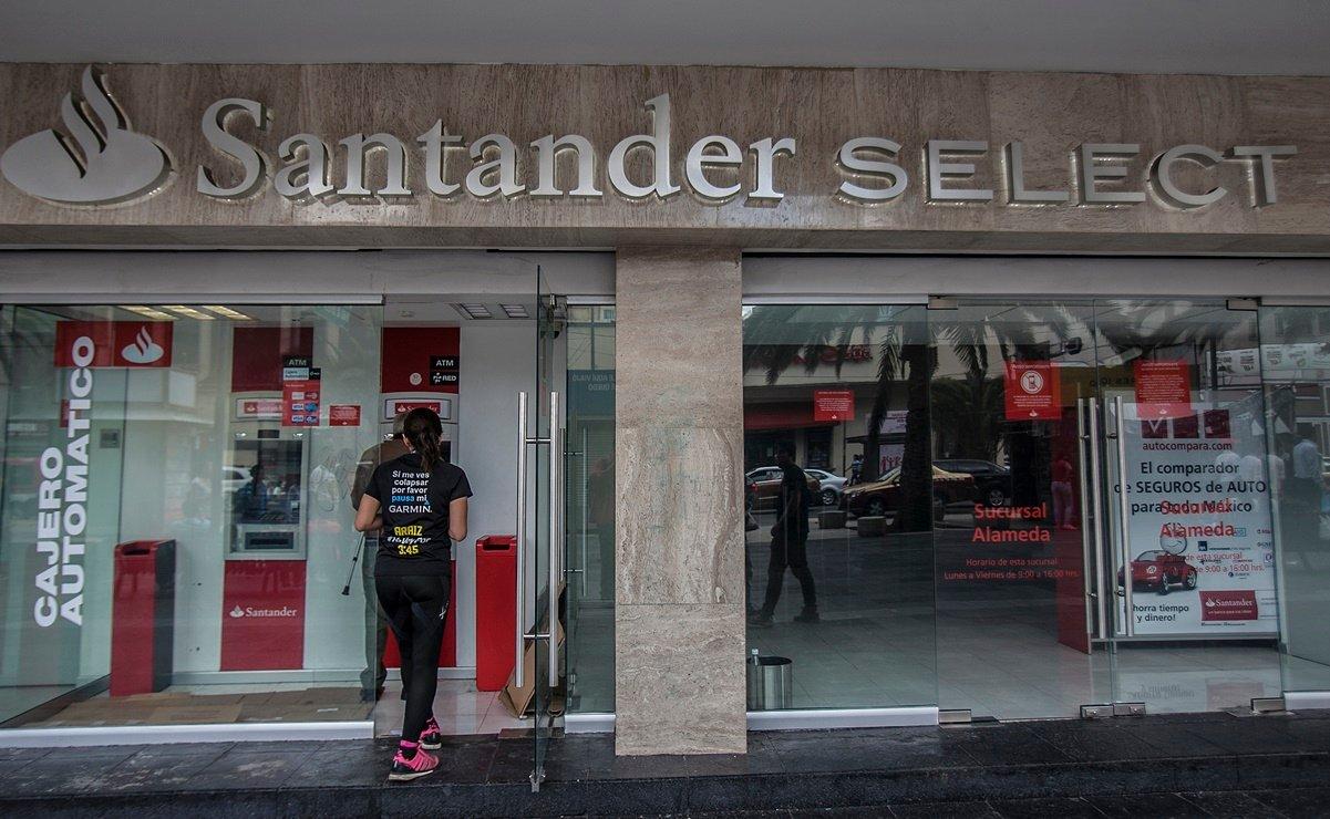 Caen 5.5% ganancias de Santander México en 2020