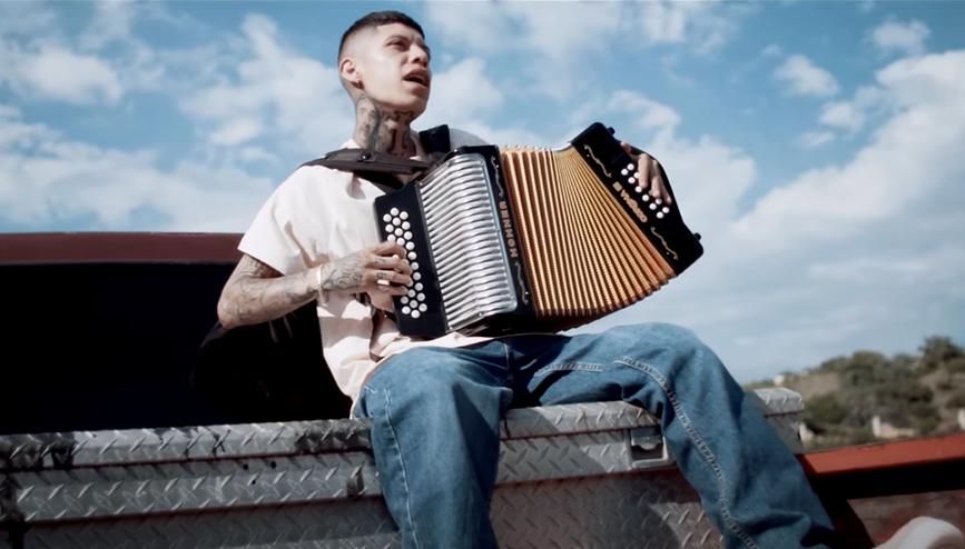 Santa Fe Klan: Regresa a la cumbia y el acordeón