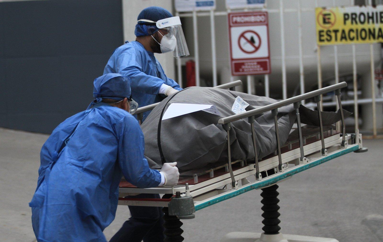 Al menos 241 personas fallecieron en México por falta de camas con ventilador