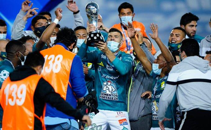 Jugador de León confiesa que jugó la final contra Pumas con COVID-19