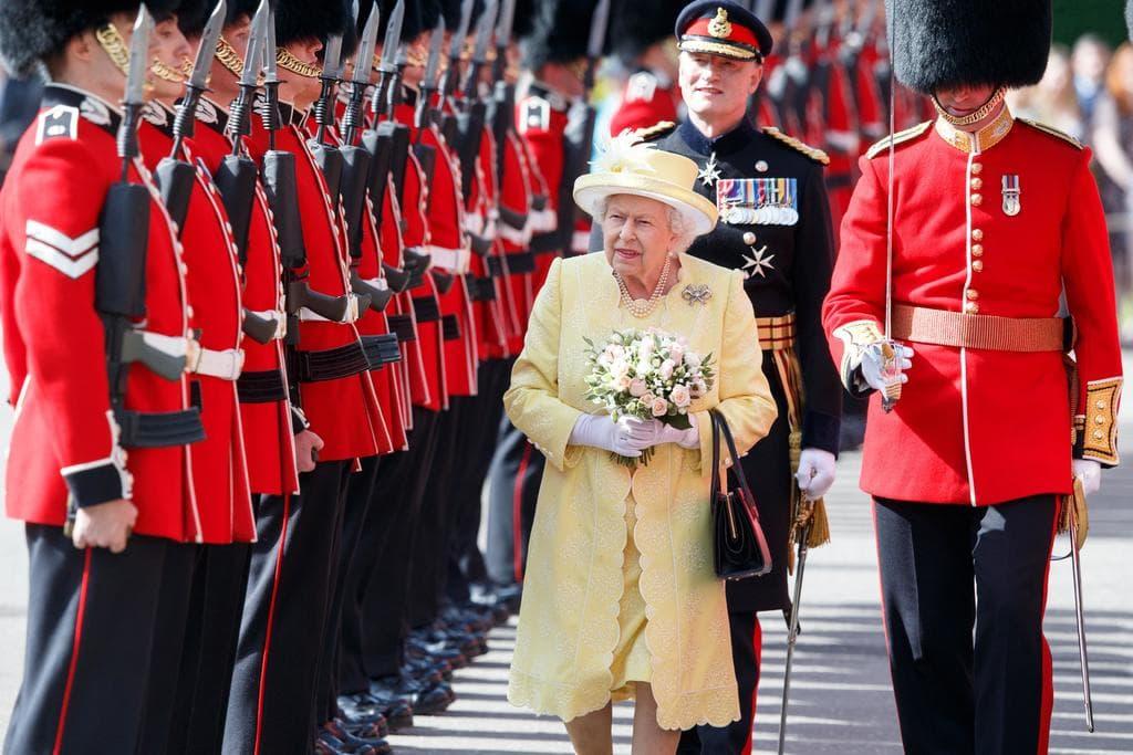 Reina Isabel II celebra 69 años en el trono británico confinada por el COVID-19