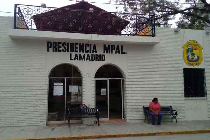 Anuncia alcalde que dejauna deuda de 3 mdp al SAT