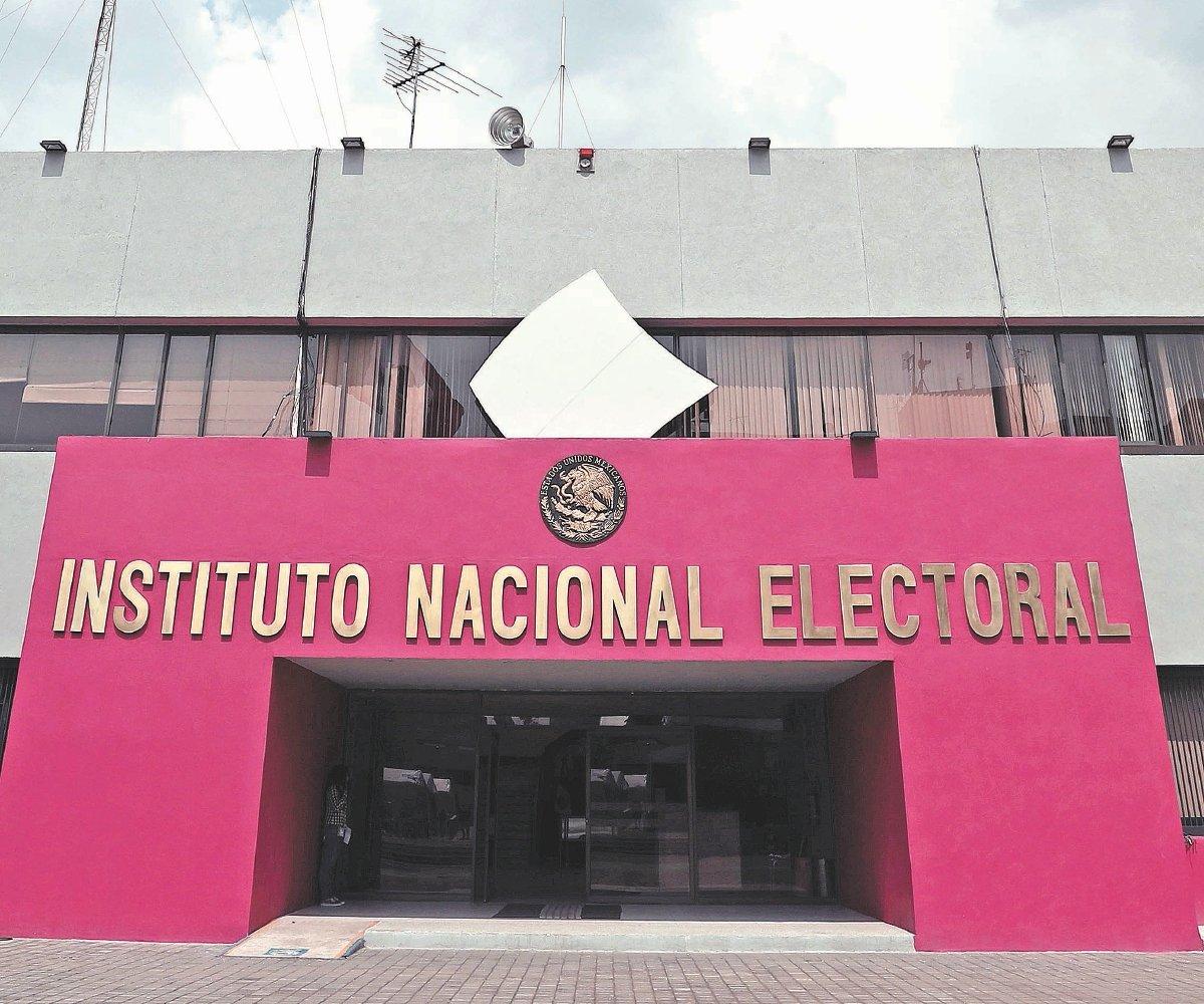 INE: 'Funcionarios de casilla, garantía en elección'