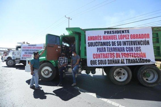 Transportistas protestan contra 'contratos de protección'