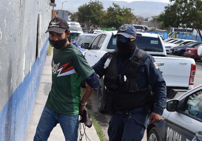 """""""Toreaba"""" vehículos en Monclova"""
