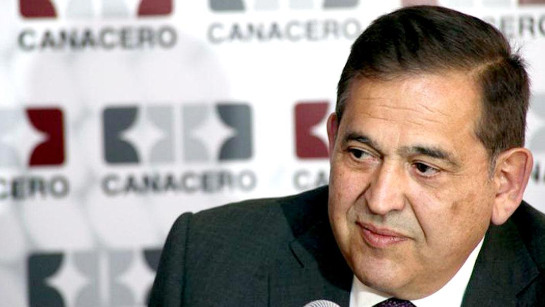 Alonso Ancira comparece ante juez; se definirá su situación jurídica por caso Agronitrogenados