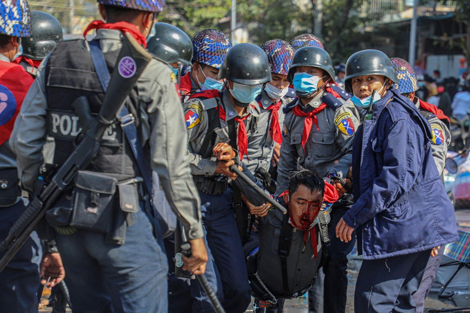 La ONU condena la violencia policial contra manifestantes en Birmania