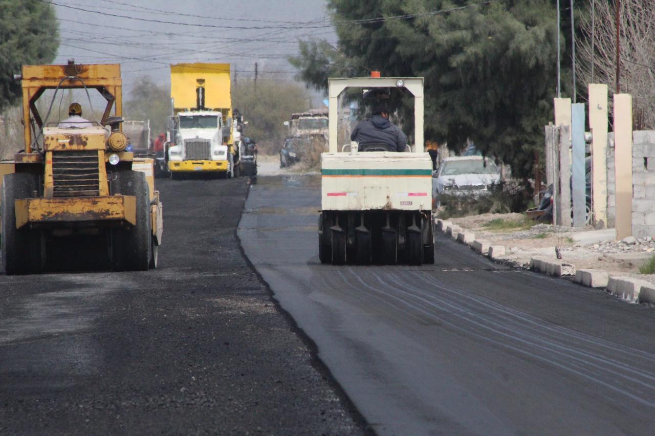 Con recursos del predial pavimentan una calle en San Buenaventura