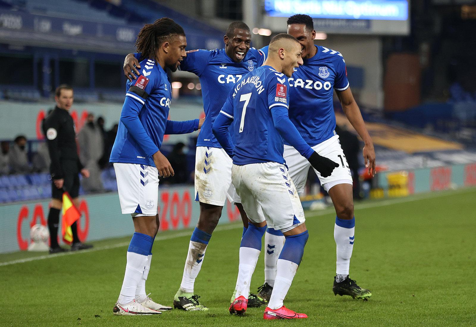 El Everton de Ancelotti elimina al Tottenham de Mourinho con locura de goles