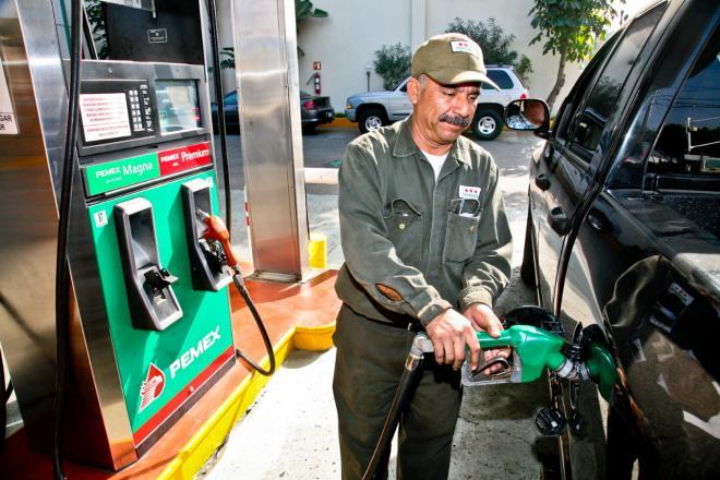 Tienen gasolinas su mayor alza en los últimos 7 meses