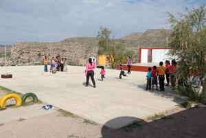 Regresarían a clases presenciales escuelas rurales de Región Desierto